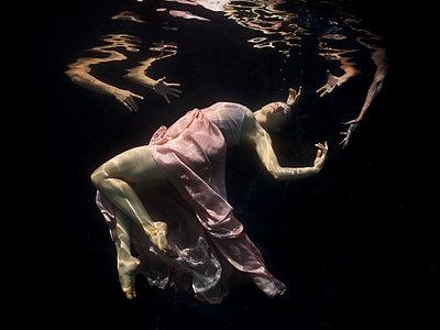 Underwater Baroque ballet dancers - p1554m2158929 by Tina Gutierrez