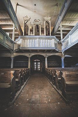 Abandoned Church - p1512m2037953 von Katrin Frohns