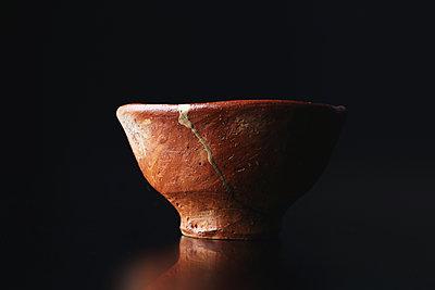 Japanese traditional pottery - p307m1106028f by Hideki Yoshihara