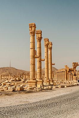 Ruinen der Oasenstadt und UNESCO-Weltkulturerbe Palmyra/Tadmor nahe Damaskus, Syrien - p1493m2063564 von Alexander Mertsch