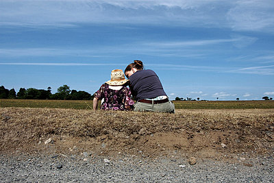 Mother & daughter in conversation at Dartmoor - p1072m830422 by Peter Davies