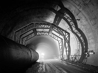 Tunnelbau für die Bahn - p1079m1182200 von Ulrich Mertens