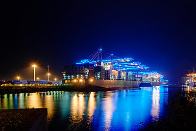 Hamburg Harbour - p1099m1031578 by Sabine Vielmo