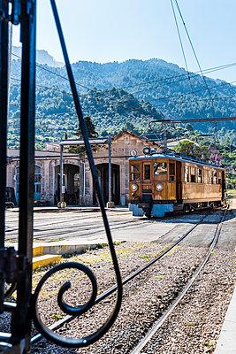 Lokomotive - p488m1332458 von Bias