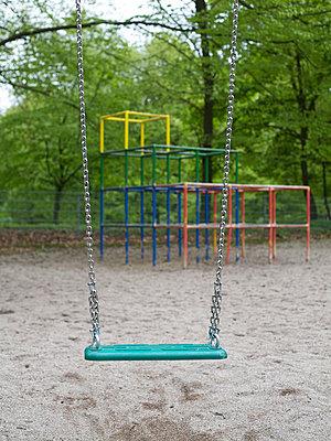 Verlassene Schaukel - p6060570 von Iris Friedrich