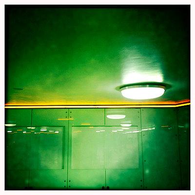 ubahnbeleuchtung - p627m670932 by Chris Keller