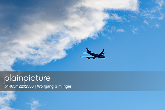 Boing 747, cargo aircraft after take off - p1463m2292938 by Wolfgang Simlinger