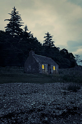 House in Scotland - p470m2128870 by Ingrid Michel