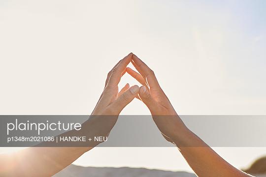 Berührung - p1348m2021086 von HANDKE + NEU
