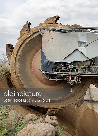 Tagebaubagger - p250m1090942 von Christian Diehl