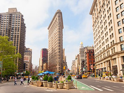 Flat Iron building, New York, USA - p429m1095143f by Henglein and Steets