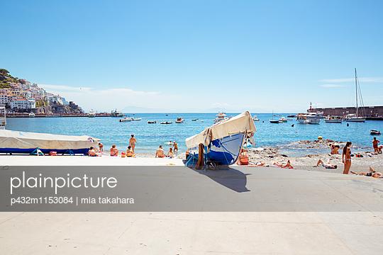 Badestrand von Amalfi - p432m1153084 von mia takahara