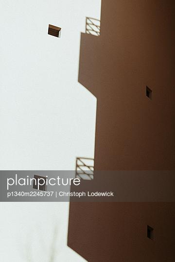 wand und balkon - p1340m2245737 von Christoph Lodewick