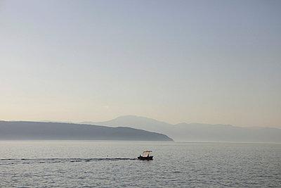 Boot auf dem Meer vor Glavotok - p5020213 von Tomas Adel