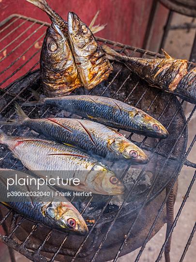 Gegrillter Fisch - p390m2032040 von Frank Herfort