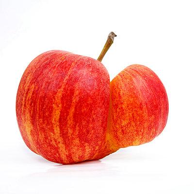 Deformed apple - p8130378 by B.Jaubert