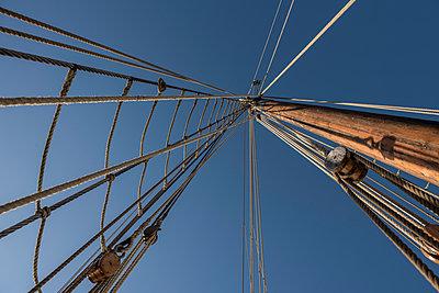Tall Ship - p1003m1058371 by Terje Rakke