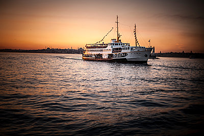 Vapur boat at sunset  - p1007m1134870 by Tilby Vattard