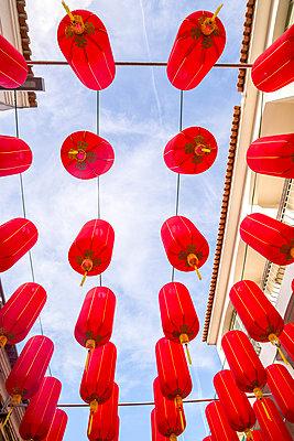 Chinesische Laternen - p1201m1034334 von Paul Abbitt