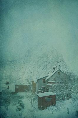 Schneebedeckt - p794m764280 von Mohamad Itani