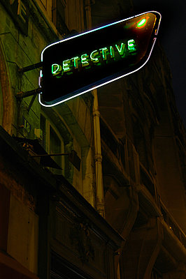 Detective - p1028m1083403 by Jean Marmeisse