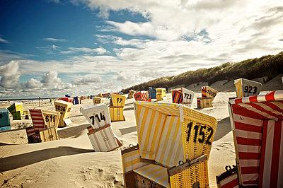 Langeoog Strandkörbe - p299m904395 von Silke Heyer