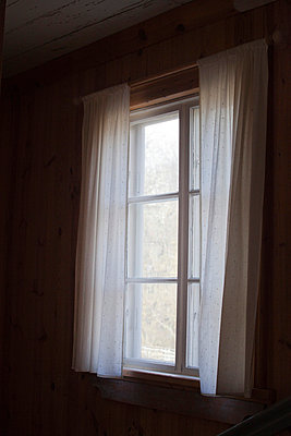 Window - p956m709717 by Anna Quinn
