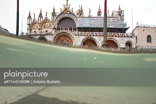 St. Mark's Square Basilica flooded by high tide, Venice, UNESCO World Heritage Site, Veneto, Italy - p871m2123086 by Antonio Busiello