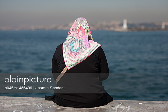 p045m1486496 by Jasmin Sander