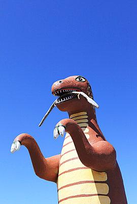 Giant dinosaur - p0452726 by Jasmin Sander