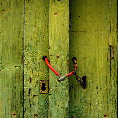 Closed door - p8130042 by B.Jaubert