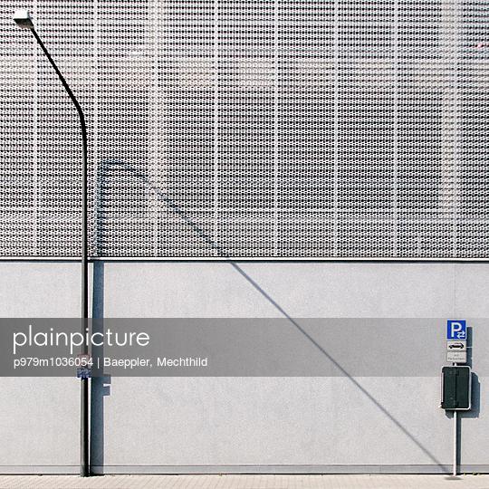 Straßenlaterne - p979m1036054 von Baeppler, Mechthild