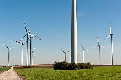 Wind farm - p1079m881314 by Ulrich Mertens