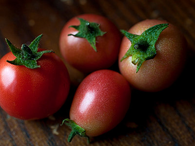 Fresh tomatoes - p4130677 by Tuomas Marttila