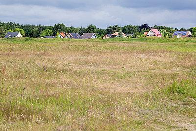 Wohngebiet - p739m1034146 von Baertels