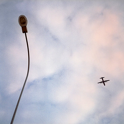 Plane in the sky - p9110512 by Benjamin Roulet