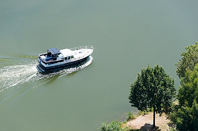 Yachting - p1079m995518 by Ulrich Mertens