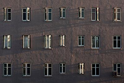 Offene Fenster - p1094m890300 von Patrick Strattner