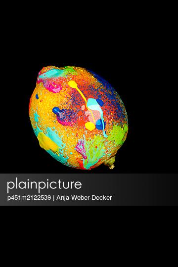 p451m2122539 by Anja Weber-Decker
