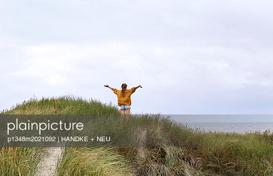 Endlich am Meer - p1348m2021092 von HANDKE + NEU