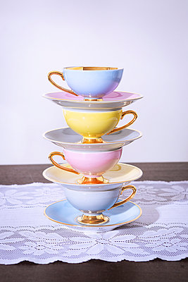 Cups - p1149m2263085 by Yvonne Röder