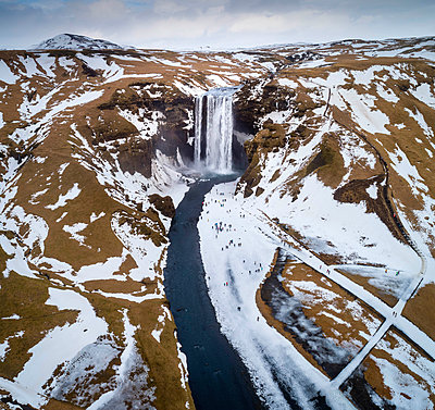 Aerial view of Skogafoss, Southern Iceland - p651m2033084 by Stefano Termanini