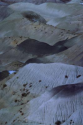 Desert mountains - p9150088 by Michel Monteaux
