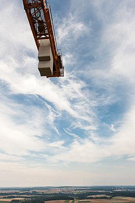 Aufbau eines Windrades - p1079m880940 von Ulrich Mertens