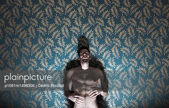 Verzweiflung - p1081m1498306 von Cédric Roulliat
