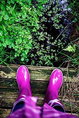 Purple gum boots - p880m908048 by Claudia Below