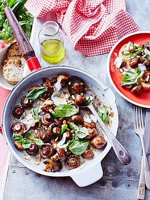 Sauteed mushrooms with basil pesto - p429m954386f by BRETT STEVENS