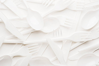 Plastic spoons and forks - p5150264 by E.Coenders