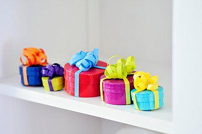 Geschenke - p715m755904 von Marina Biederbick
