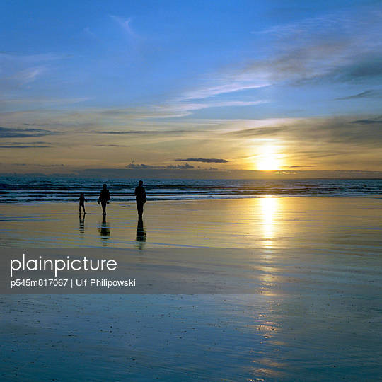 Sunset  - p545m817067 by Ulf Philipowski